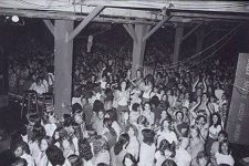 Black and white picture of Warehouse crowd